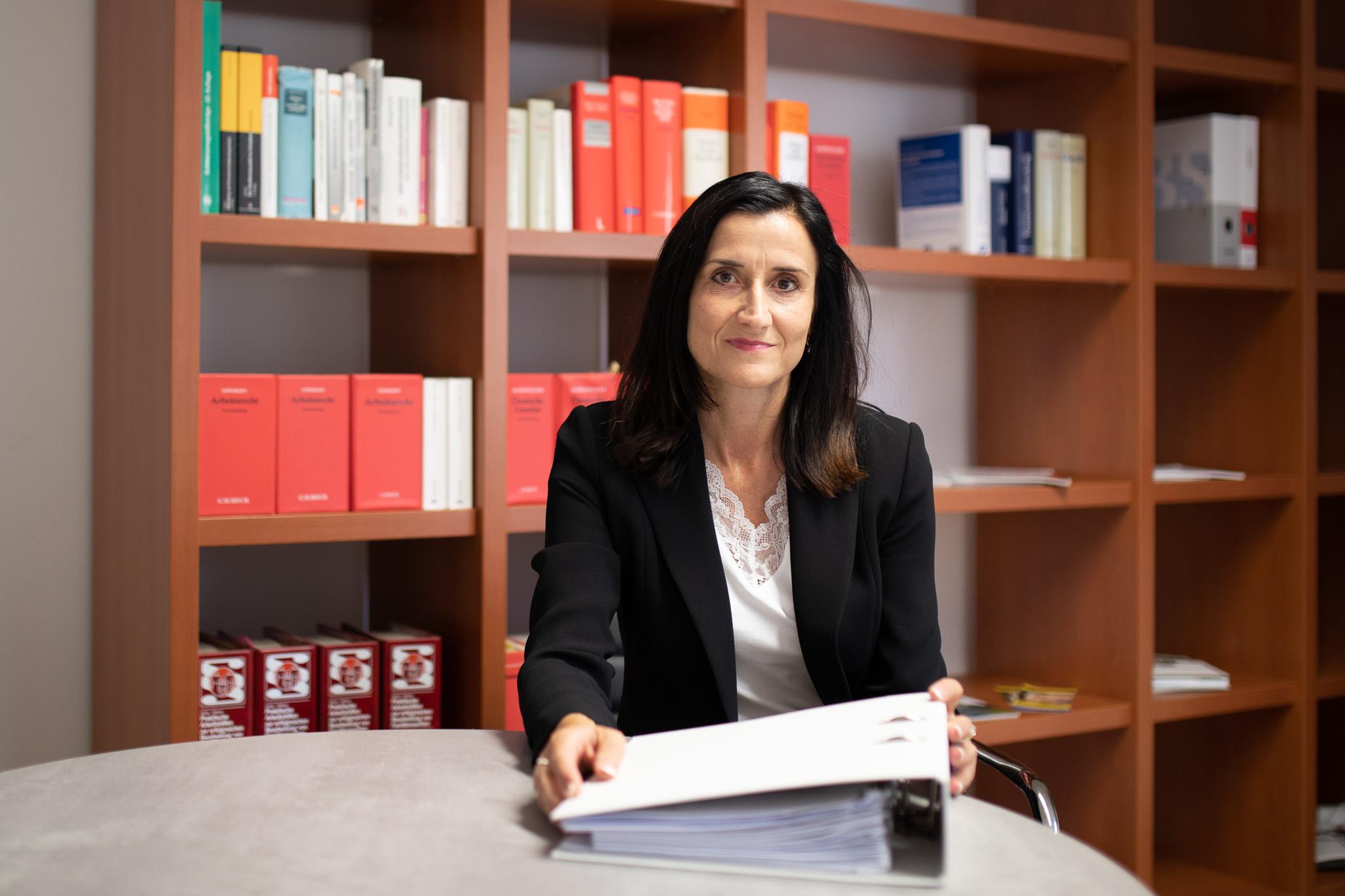 Porträt Ramona Herrmann - Rechtsanwältin